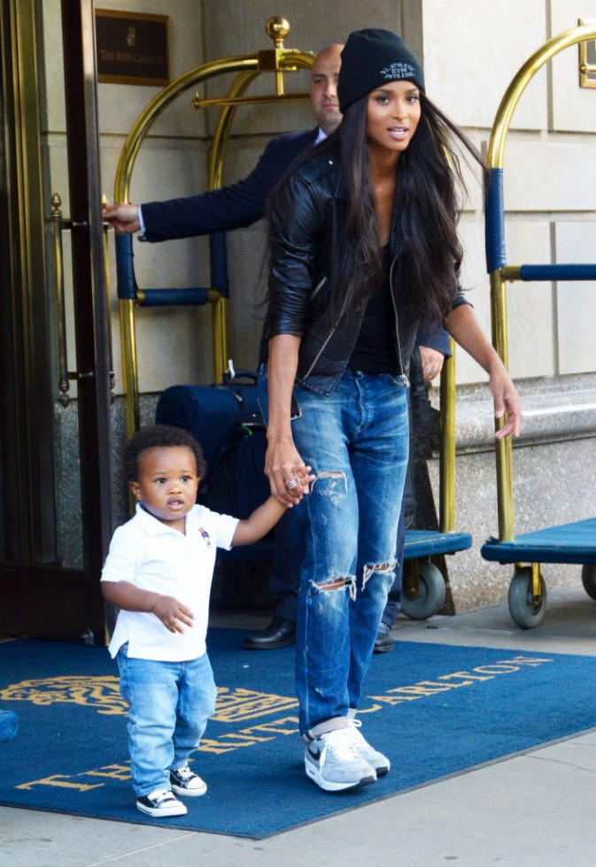 Ciara et son fils à New York, le 12 août 2015