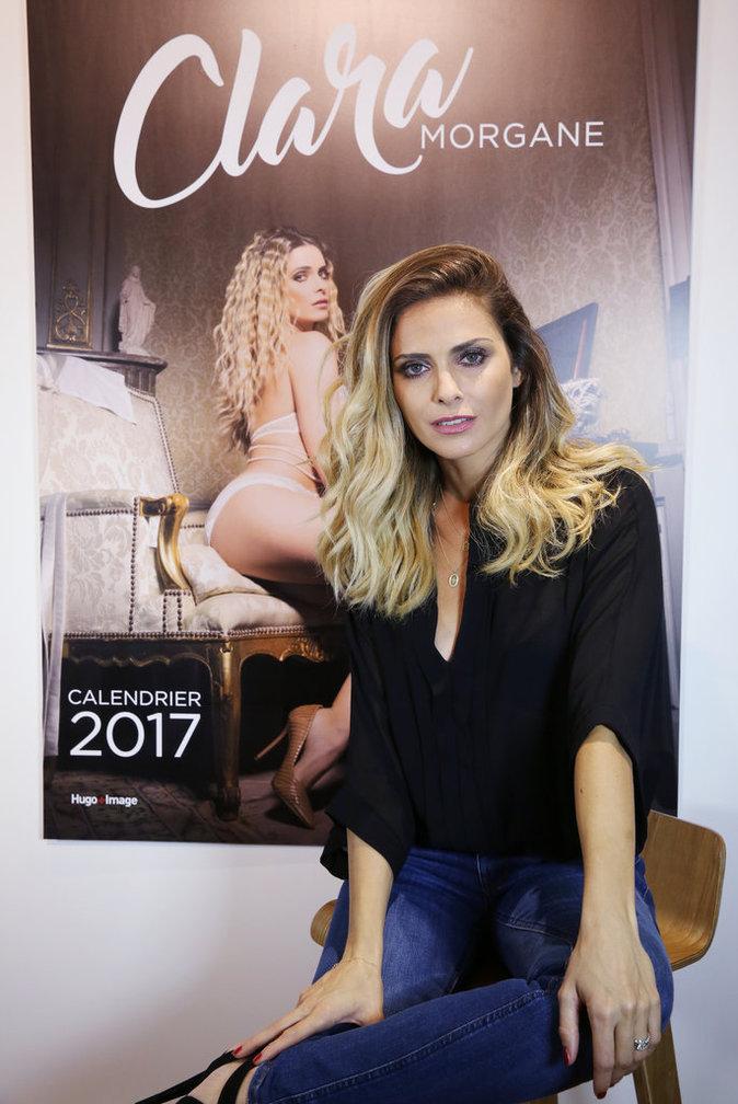 Photos : Clara Morgane : elle nous dévoile fièrement son nouveau calendrier !