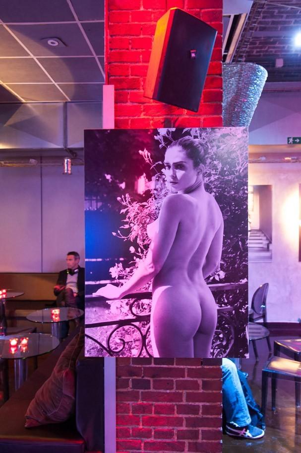 Soirée de lancement du nouveau calendrier de Clara Morgane à Paris le 20 septembre 2012