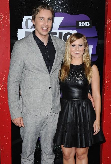 Kristen Bell et Dax Shepard lors des CMT Awards à Nashville, le 5 juin 2013.