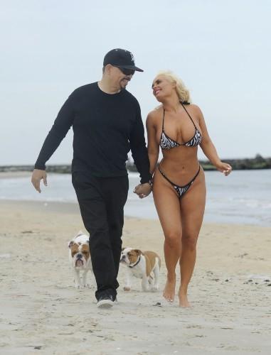 Coco Austin et Ice-T sur la plage d'Asbury Park, le 7 juin 2012.