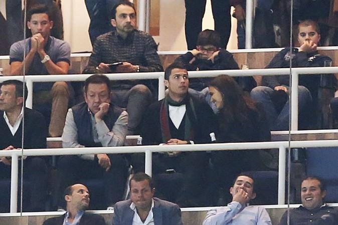 Cristiano Ronaldo et Irina Shayk au stade Santiago Bernabeu de Madrid le 30 novembre 2013