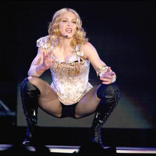 Madonna sur scène lors du Re-invention Tour, à Los Angeles le 24 mai 2004.