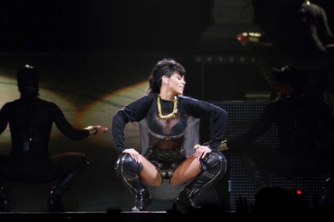 Rihanna, sur scène lors du Diamonds World Tour, à Adelaide le 26 septembre 2013.