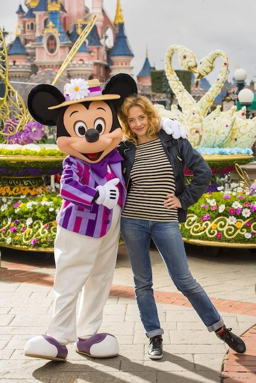 Hélène de Fougerolles fête le printemps à Disney