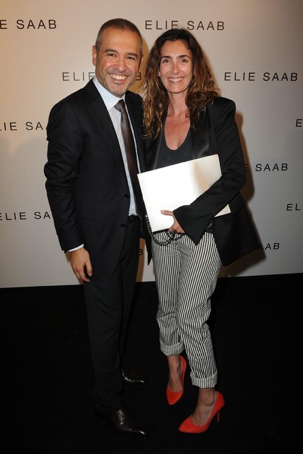 Melle Agnès et Elie Saab lors du défilé de ce dernier à Paris, le 6 juillet 2011.