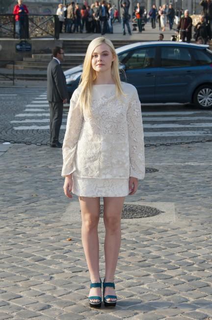 Elle Fanning lors du défilé Louis Vuitton à Paris, le 2 octobre 2013.