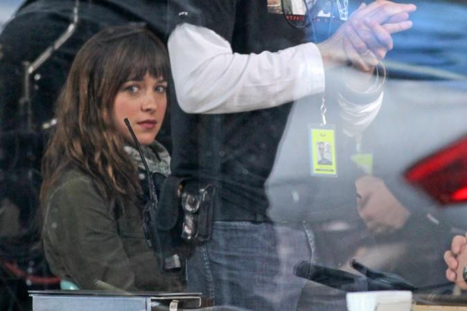 Dakota Johnson et Jamie Dornan sur le tournage de Fifty Shades of Grey à Vancouver le 1er décembre 2013