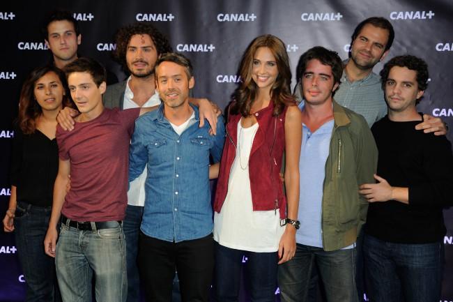 Ophélie Meunier et l'équipe du Petit Journal lors de la soirée de rentrée de Canal + à Paris, le 28 août 2013.