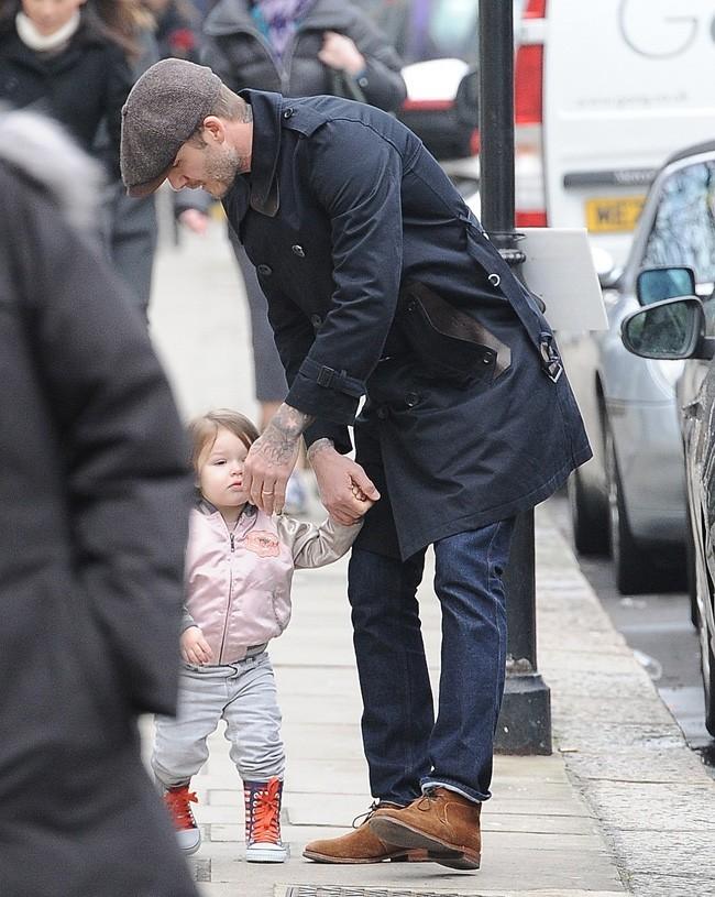 David Beckham avec sa fille Harper à Londres le 18 mars 2013