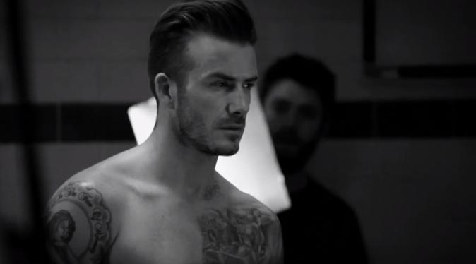 David Beckham : fini le ballon rond, il revient sur le devant de la scène pour des caleçons !