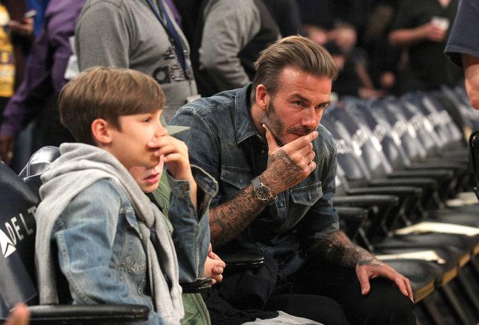 Photos : David Beckham : il fait des infidélités au foot avec Cruz et Romeo !