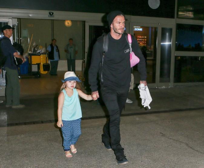 David Beckham arrivant à Los Angeles avec ses enfants le 12 juillet 2015