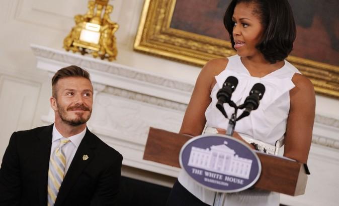 Tout sourire de se faire chambrer par le couple Obama !