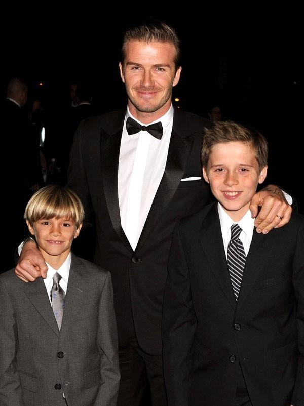 David, Romeo et Brooklyn Beckham hier soir à Londres !