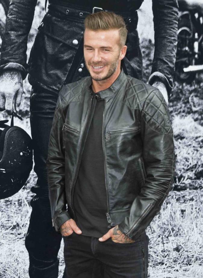David Beckham : tr�s proche de ses fans pour pr�senter sa collection de vestes en cuir !