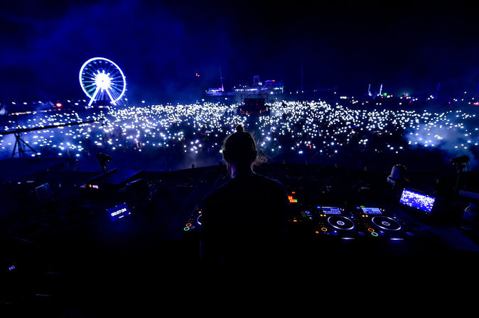 Photos : David Guetta et Robin Schulz : relève assurée pour le 2e jour du festival Electrobeach !