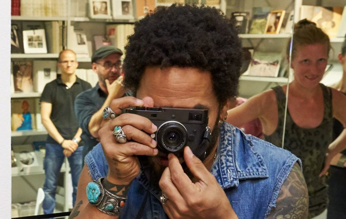Lenny Kravitz inaugure son exposition Flash à Vienne