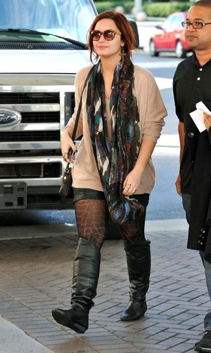 Un peu courte sa jupe, non ?