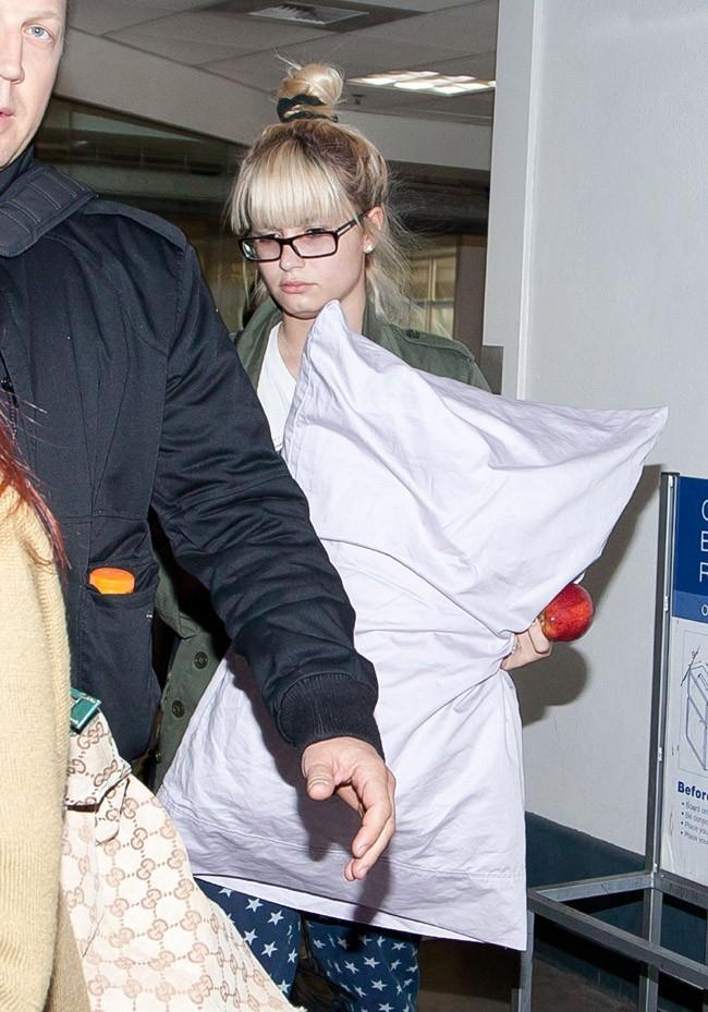 Demi Lovato à l'aéroport de Los Angeles le 12 octobre 2012