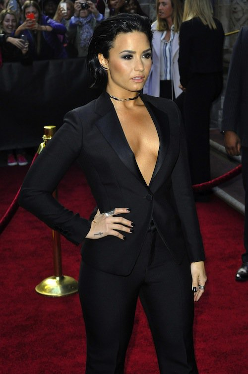 Photos : Demi Lovato VS Ciara : duel de décolletés pour les deux bombes !