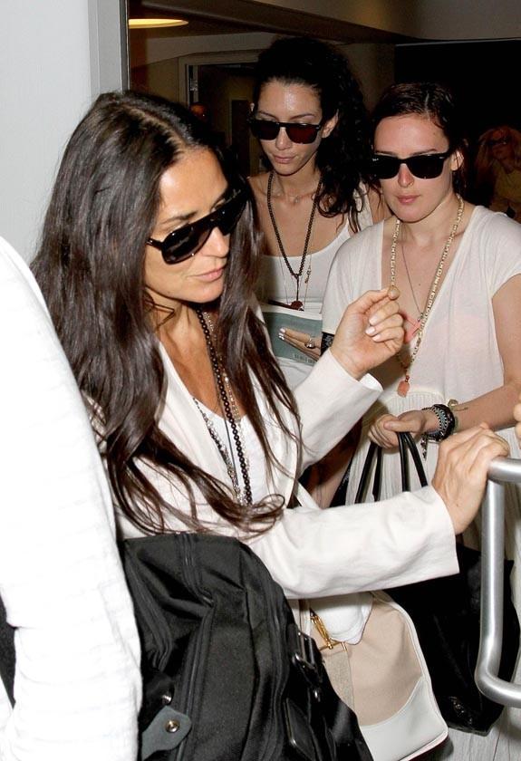 Demi Moore et Rumer Willis à l'aéroport de Los Angeles le 24 juin 2013
