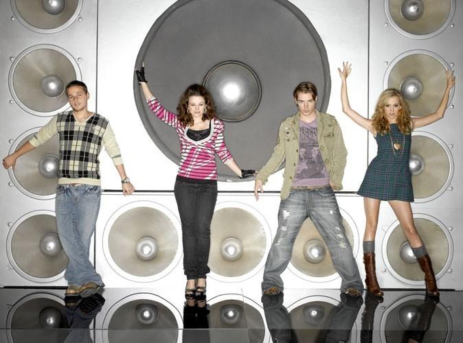 Les ados terribles de Wisteria Lane : Andrew Van de Kamp (Shawn Pyfrom), Danielle Van de Kamp (Joy Lauren), Austin McCann (Josh Henderson) et Julie Mayer (Andrea Bowen)