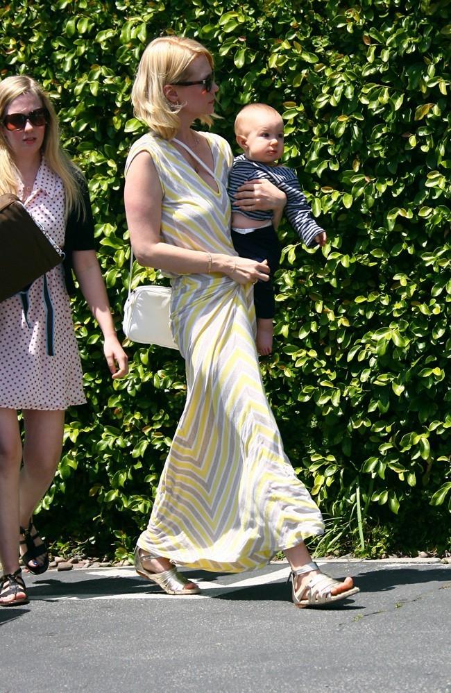 January Jones et Xander Dane le 29 avril 2012 à Los Angeles