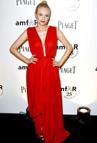 Diane Kruger dans une superbe robe Yves Saint Laurent...