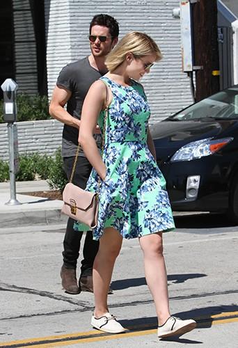 Dianna Agron et son nouveau mec à Los Angeles le 13 mai 2014