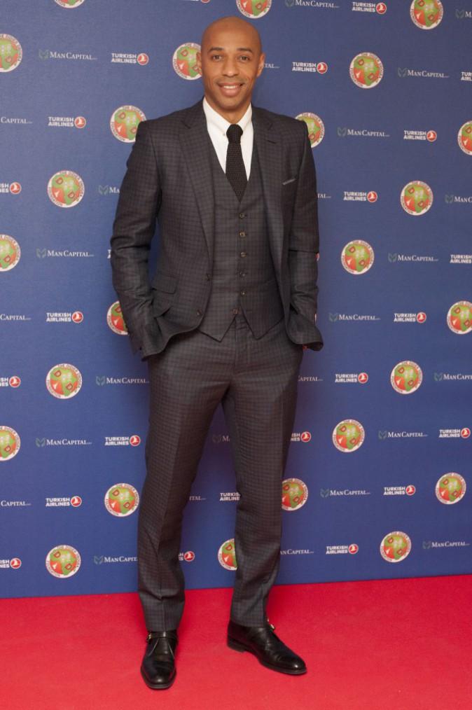 Photos : Didier Drogba entouré de ses enfants pour la bonne cause !