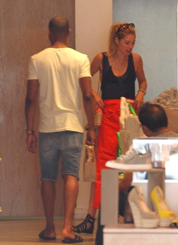 Doutzen Kroes en vacances à Miami le 19 juin 2012