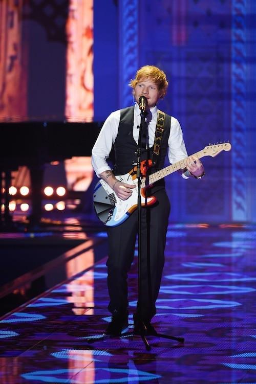 Photos : Ed Sheeran : les Anges de Victoria's Secret ne le laissent pas indifférent !