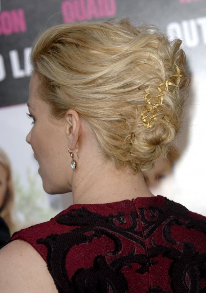 Même sa pince à cheveux est étudiée...