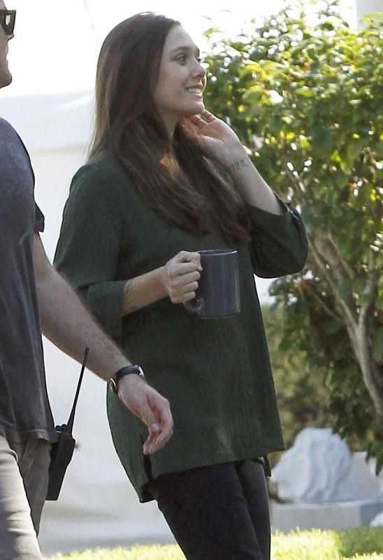Elizabeth Olsen sur le tournage de son prochain film hier