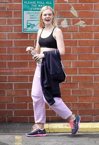 Elle Fanning à la sortie de la gym, le 4 avril à Studio City