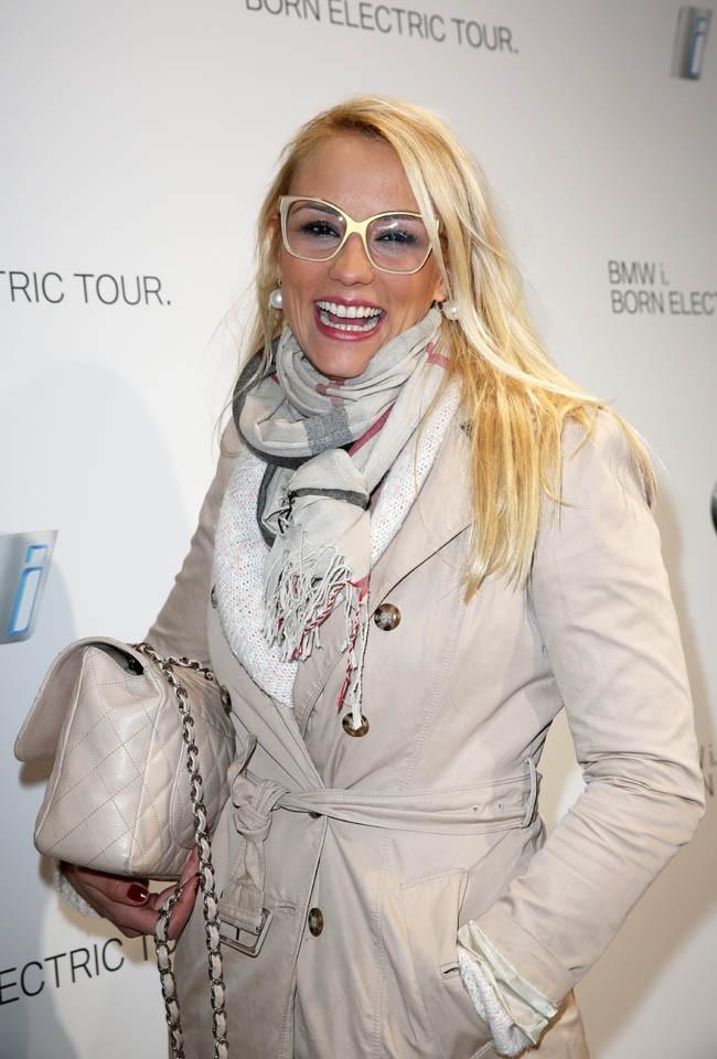 Elodie Gossuin à la soirée BMW organisée au Grand Palais de Paris le 3 avril 2013