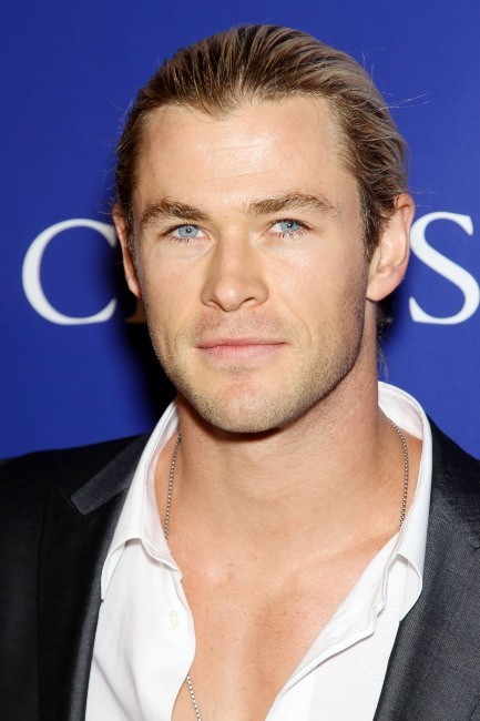 Chris Hemsworth arrivent à la soirée Oceana Ball à New York, le 8 avril 2013.