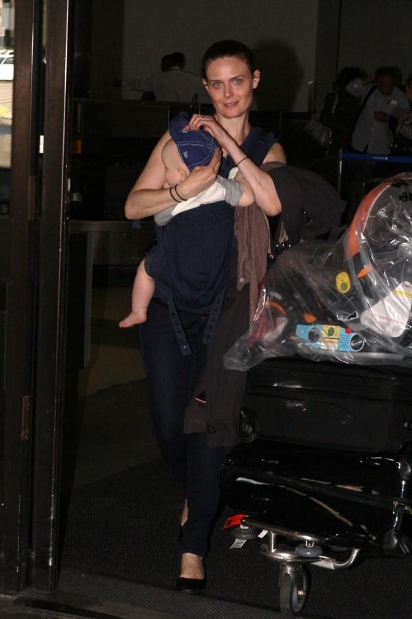 Emily Deschanel à l'aéroport de Los Angeles le 3 septembre 2012