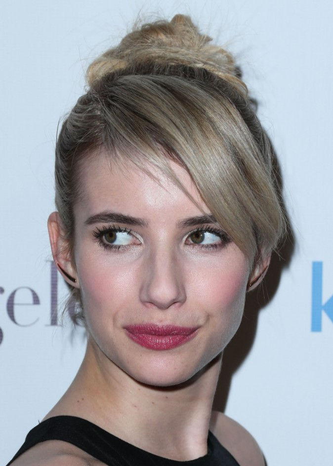 Photos : Emma Roberts : classe et élégante, elle soutient la Kindred Foundation For Adoption !