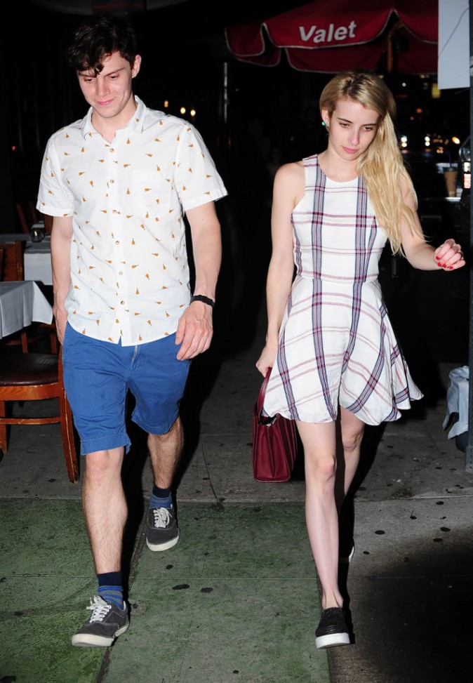 Emma Roberts et Evan Peters