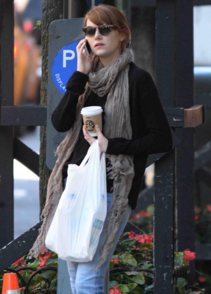 Emma Stone : look casual chic pour errer dans les rues de New York !