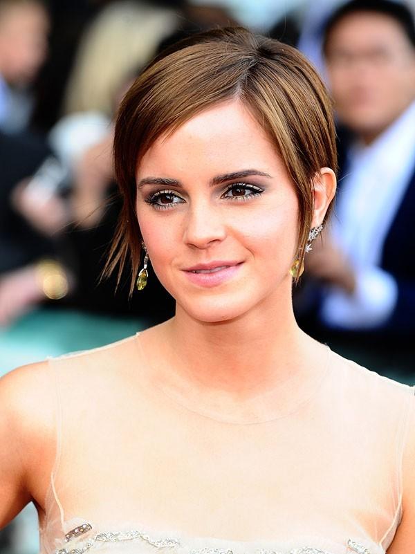 Emma est devenue une élégante jeune femme ...