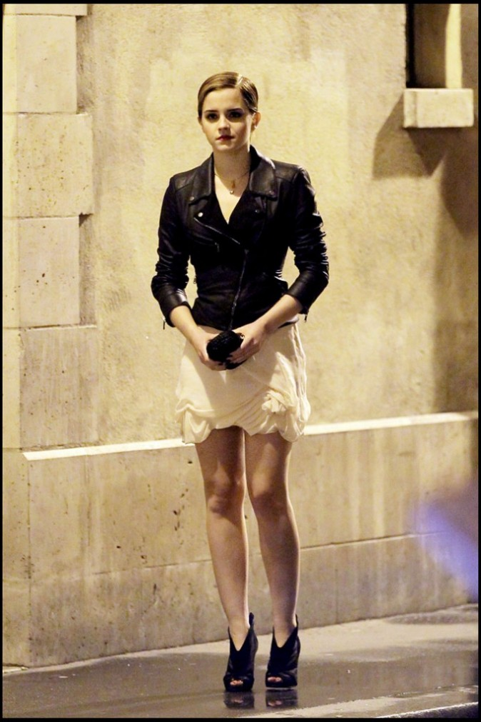 Emma Watson sur le tournage de la nouvelle campagne de pub Lancôme à Paris, le 14 mars 2011.