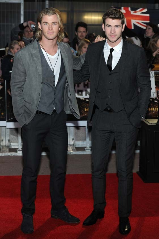 Chris et Liam Hemsworth à Londres pour le tpis rouge d'Hunger Games !