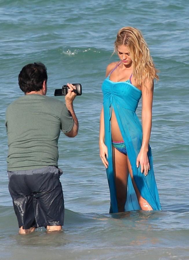 Erin Heatherton en shooting pour Victoria's Secret à Miami le 19 décembre 2012