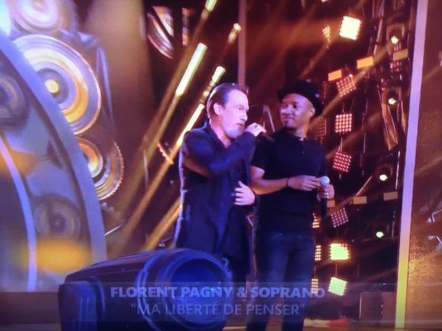 Photos : Euro 2016 : Florent Pagny et Soprano font le show d'ouverture à la Tour Eiffel !