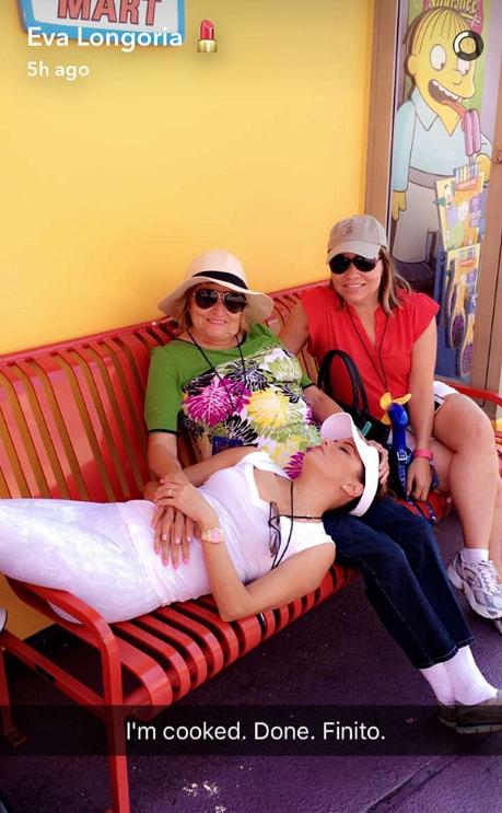 Après sa journée à Universal Studios, Eva Longoria est épuisée !