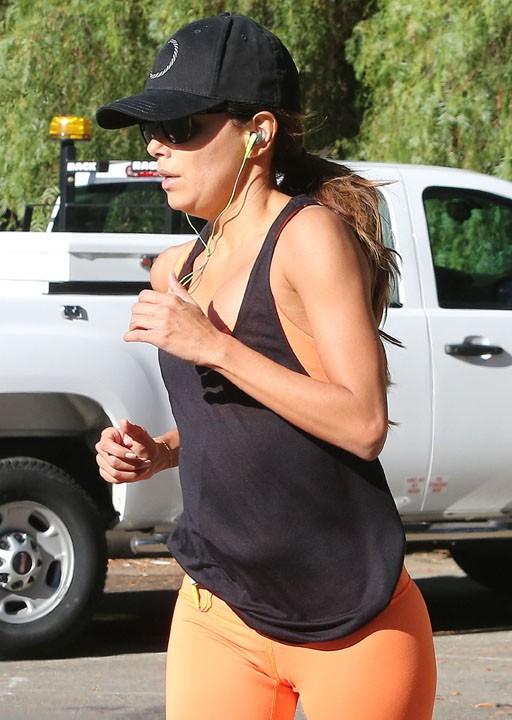 Eva Longoria en plein footing à West Hollywood le 5 novembre 2013