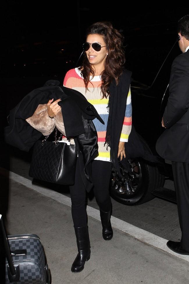Eva Longoria à l'aéroport de Los Angeles le 4 avril 2013